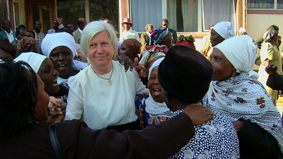 Ingrid Munro's Mission to Help Kenyans out of Poverty